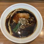 ら~麺 安至 - 漆黒醤油らーめん¥700
