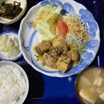 あかんたれ - 料理写真:あかんたれ風煮込み定食850円です