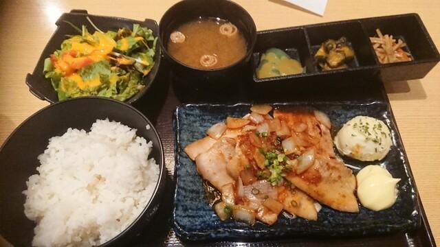 肉専門酒場 焚 新橋店の料理の写真