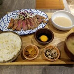 atari CAFE&DINING - 厳選黒毛和牛の牛カツとろろ定食。