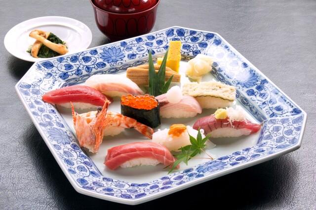 旭鮨総本店 東京オペラシティ53F店の料理の写真