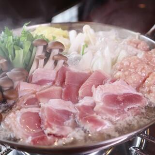 ★名物水炊き単品1480円、コースは3000円
