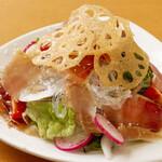 鶏バル - 生ハムサラダ