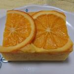 135828856 - オレンジのパウンドケーキ