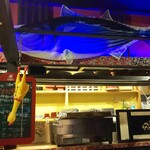 牡蠣と燻屋 かつを - 内装