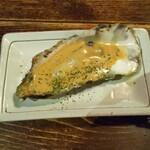 牡蠣と燻屋 かつを - 蒸し牡蠣 チーズたまり醤油