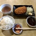 建味園 - 料理写真:とんかつ定食