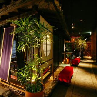 京町を再現したお洒落な宴会個室のご利用は4~30名様まで