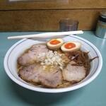 いぬい - 料理写真:チャーシュー麺(並)+半熟味付け卵