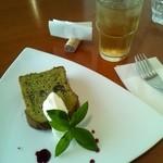 キッチンポット - 抹茶のパウンドケーキ ランチだと\250で追加できます。