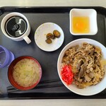 札幌市東区役所 食堂 - 吉野家牛丼セット(500円)