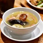南青山エッセンス - 【燻製カツオとフェンネルの冷麺 セット@1,800円】二十四節気の薬膳スープ