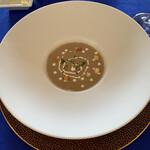 ル・トア・ド・パリ - 料理写真:マッシュルームのポタージュ