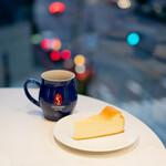 ゲシャリーコーヒー - ハシエンダコペイ ブラックハニー、ベイクドチーズケーキ
