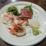 Kogureshokudou - 刺身5点盛!鮮魚店併設だけあってネタは新鮮!ご主人が○○産の○○と丁寧に説明して下さいましたが失念してしまいました。間違いなく美味いものです!