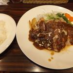 KITCHENはんおむ - ポークチャップランチ(980円)