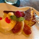 南方カフェ mamipanstore - 本日のケーキはチーズケーキをチョイス! しっとりズッシリ美味しいケーキ(≧∀≦)