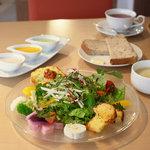 エヌプラスカフェ - 本日の採りたて新鮮野菜ランチ(A面)