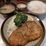 丸栄 - ロースかつ定食