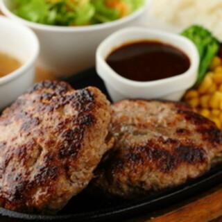 ★肉汁の嵐!!SAMURAIハンバーグ★