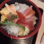 寿司酒場 まぐろ人 - まぐろ人の海鮮丼1100円