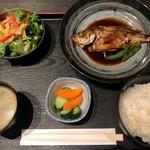 個室居酒屋 きさらぎ はなれ - 煮魚定食(めばる)900円