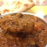 リトル カトマンドゥ - ナスとひき肉カレーのアップ