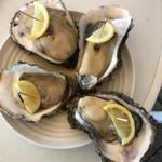 庄内観光物産館ふるさと本舗 - 料理写真:岩ガキ