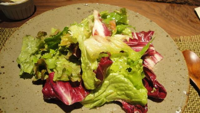 麦酒屋 るぷりん - ランチ(1000円)についた有機野菜のサラダ