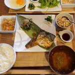 フクモリ - 庄内鯖の味噌煮と納豆