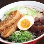 九州麺 本格餃子 清正 - 料理写真:一押しの熊本ターロー麺。とろ~りとろける角煮が美味しいです。
