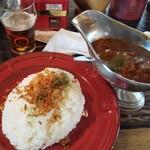 カレー屋アカマル - 炙りチーズ抜き、牛スジカレー(並盛り)1,050円
