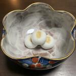 塩瀬総本家 - 志ほせ饅頭✨久しぶりに桐の箱から出したので、菓子鉢が喜んでる(๑˃̵ᴗ˂̵)