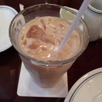 パパス カフェ - セットのアイスミルクティー