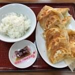 135991087 - 羽付き焼き餃子×2+ライス小