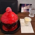 カフェ ブリッジ - 料理写真:究極のいちごかき氷