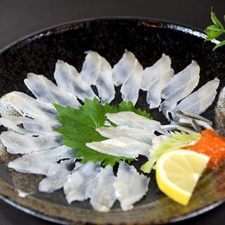 当店の名物「活穴子料理」