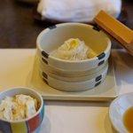 梅の花 - 梅の花膳の湯葉煮と豆腐しゅうまい