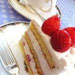 フレンチ パウンド ハウス - 苺のショートケーキ・ルージュ(578円)