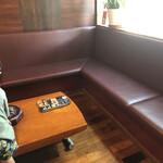 炭火焼肉 ソウル - 席の準備ができるまでここで待ちます