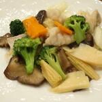 136005875 - 鯰の季節野菜炒め