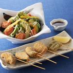 和彩ダイニング 膳 - アメーラトマトとアボカドサラダ。串揚げ5本盛り