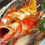 市場食堂 さかなや - 北海道産 キンキ塩焼き:煮付け 2800円(入荷状況により異なります)