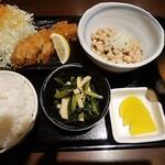 なかうらわ食堂 - 料理写真:当店自慢のハーフとんかつと納豆定食