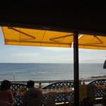 レストラン ふぁぶ - 店内から眺めた海