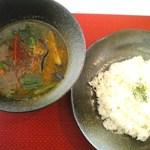 カルドカルチョ - 豚肉と野菜のスープカレー