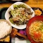 okinawa daining - 油淋鶏と沖縄そばセット