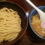 自家製麺つけ麺 紅葉 - 料理写真:つけ麺(並)太麺