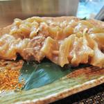 お好み焼きDining~城~ - 牛スジ串。大阪では『どて焼き』というものですね。しっかり味がしみ込んでいて、美味しかったです。