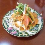 DURGA - セットのサラダ